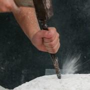 Martin Peca. Obdelava kamna.